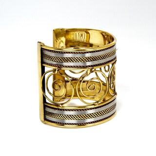 Sitara Handmade Swirls Two-tone Cuff Bracelet (India)