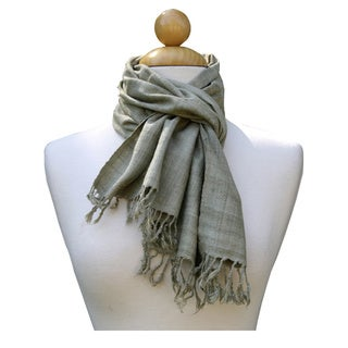 Handmade Soothing Green Scarf (India)