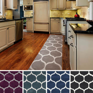Artfully Crafted Bremerton Geometric Polyester Area Rug-(2'6 x 8')