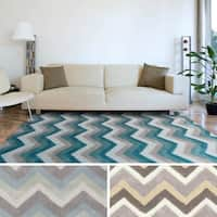 Artfully Crafted Torrigton Chevron Area Rug - 5' x 8'