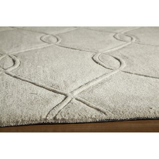 Interlocking Ivory Hand-Tufted Rug (2'3 x 8')