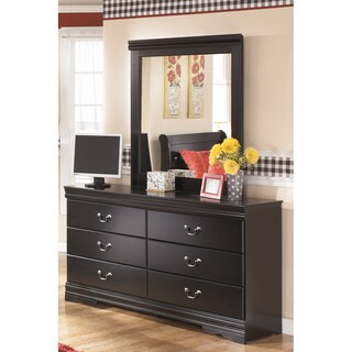 Signature Design by Ashley Huey Vineyard Dresser and Mirror