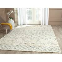 Safavieh Hand-Tufted Casablanca Ivory/ Blue New Zealand Wool Rug - 6' x 9'