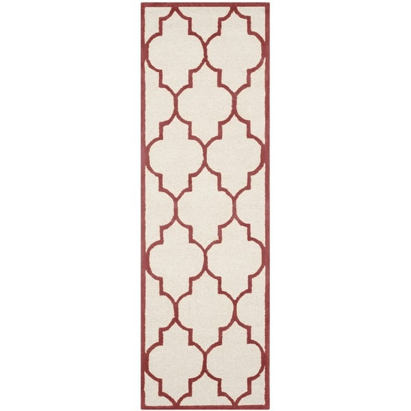 Safavieh Handmade Moroccan Cambridge Ivory/ Rust Wool Rug (2'6 x 8')