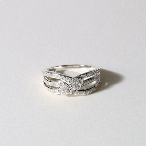 De Couer IGI Certified 10k White Gold 1/5ct TDW Diamond Connecting Heart Fashion Ring