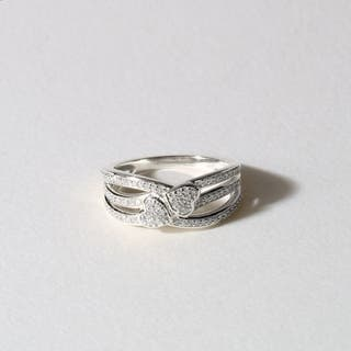 De Couer 10k White Gold 1/5ct TDW Diamond Connecting Heart Fashion Ring|https://ak1.ostkcdn.com/images/products/9611356/P16796872.jpg?impolicy=medium