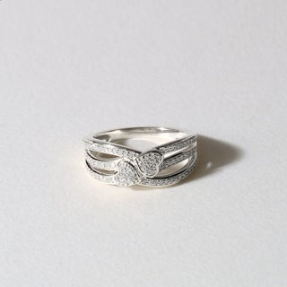 De Couer 10k White Gold 1/5ct TDW Diamond Connecting Heart Fashion Ring