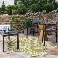 Hand-hooked Indoor/ Outdoor Zebra Patio Area Rug - 5' x 7'6