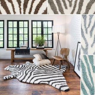 Hand-tufted Kingdom Zebra Shag Rug (5'0 x 7'6)