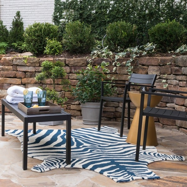 Indoor Outdoor Hand Hooked Savannah Zebra Rug 3 6 X 5 6