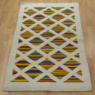 Hand-crafted Mexican Wool 'Diamonds In Color' Rug (3'6 x 6')