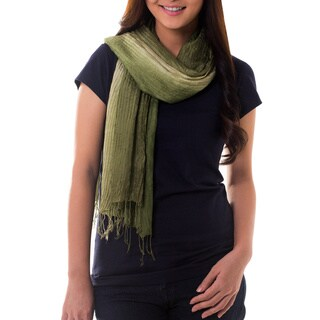 Handmade Silk 'Olive Sage Transition' Pin Tuck Scarf (Thailand)