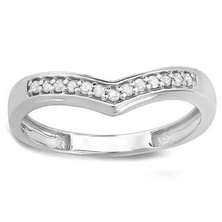 Elora Sterling Silver 1/6ct TDW Round-cut Diamond Wedding Stackable Band Anniversary Chevron Ring