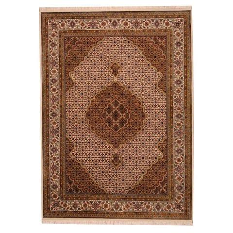 Handmade One-of-a-Kind Tabriz Wool and Silk Rug (India) - 5'8 x 7'10
