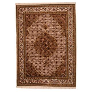 Herat Oriental Indo Hand-knotted Tabriz Wool and Silk Rug (5'8 x 7'10)