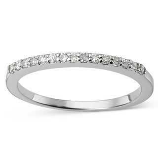 Charles & Colvard 14k Gold 0.15 TGW Round-cut Classic Moissanite Shared Prong Band