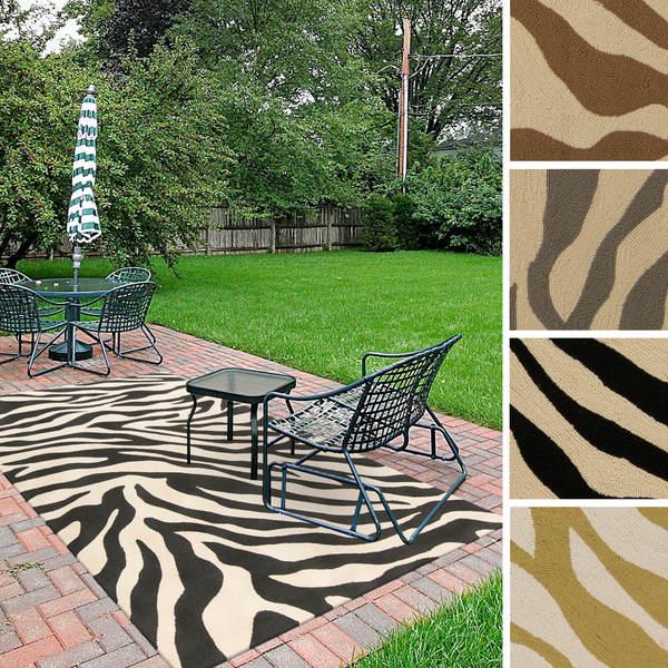 Hand-Hooked Adele Zebra Indoor/Outdoor Polypropylene Rug