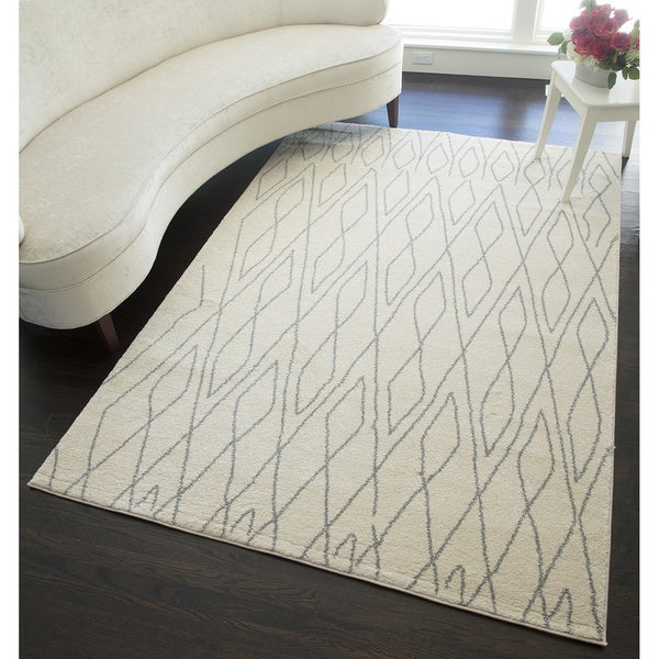 Canyon Ivory Area Rug (5' x 8')