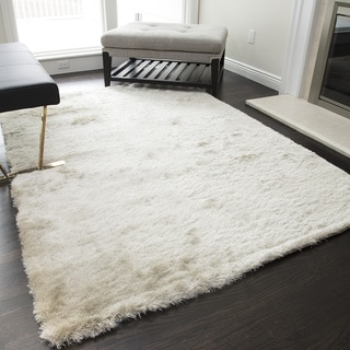 SilkyShag Ivory Hand-crafted Polyester Area Rug (5' x 8')