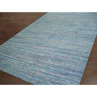 Handmade Textured Sari Silk Grey Rug (2' x 3')