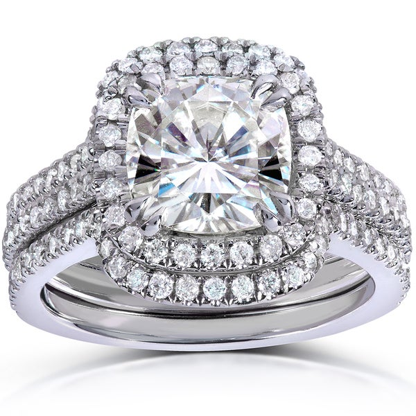 Annello by Kobelli 14k White Gold 2 5/8ct TGW Cushion-cut Moissanite (HI) and Diamond Halo Bridal Rings Set (3 Piece Set)
