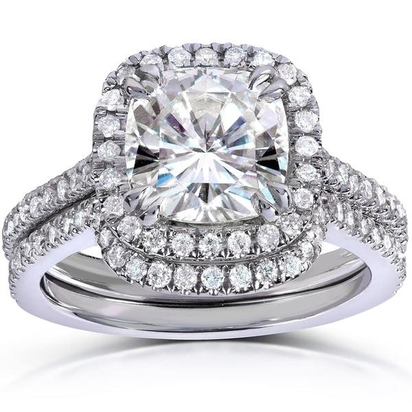 Annello by Kobelli 14k White Gold 2 1/2ct TGW Cushion-cut Moissanite (HI) and Diamond Halo Bridal Rings Set (2 Piece Set)