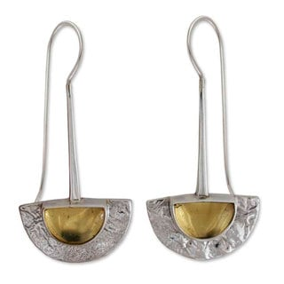 Sterling Silver 'Golden Gaze' Amber Dangle Earrings (Mexico)