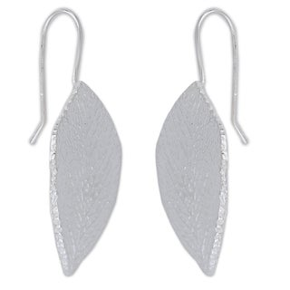 Hand-crafted Sterling Silver 'Sweet Acacia' Earrings (Mexico)