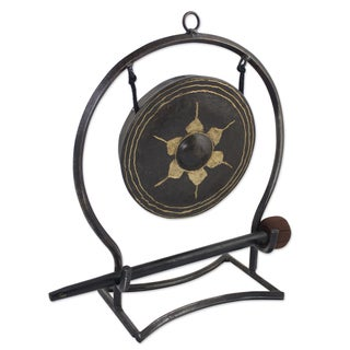 Handcrafted Iron Brass 'Thai Harmony' Gong (Large) (Thailand)