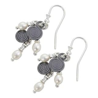 Handmade Sterling Silver 'Popocateptl Shower' Pearl Earrings (3-3.5 mm)(Mexico)