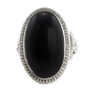 Handmade Black Jade 'Black Floral Embrace' Sterling Silver Cocktail Ring (Guatemala)