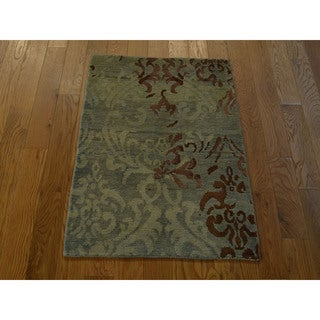 Hand-knotted Wool and Silk Taupe Modern Nepali Rug (2' x 3')