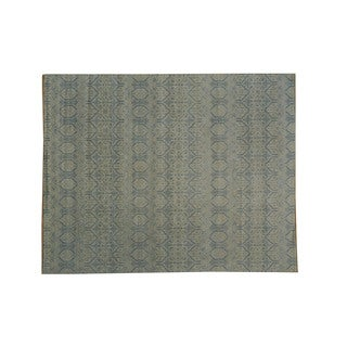 Ikat Design and Rayon from Bamboo Silk Oriental Wool Rug (8'1 x 10'2)