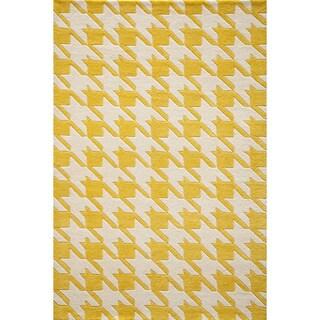 Cosmopolitan Houndstooth Yellow Hand-tufted Wool Rug (5' x 8')