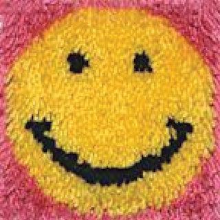 "Wonderart Latch Hook Kit 8""X8""-Smile"