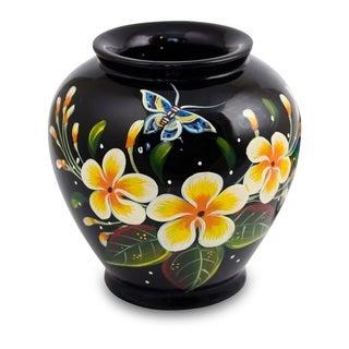 Handmade Lacquered Mango Wood Oriental Plumeria Decorative Vase (Thailand)
