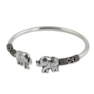 Handcrafted Sterling Silver Proud Elephant Cuff Bracelet (10.80 gms) (Thailand)