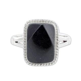Handmade Sterling Silver 'Black Maya Princess' Black Jade Ring (Guatemala)