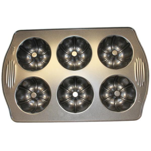 Wilton 6-cavity Mini CRS Fluted Pan