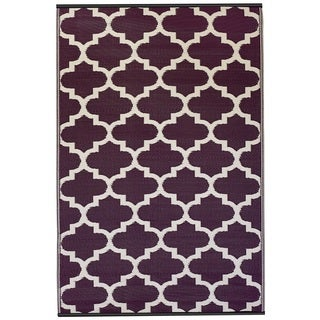 Handmade Indo Tangier Plum and White Area Rug (5' x 8')