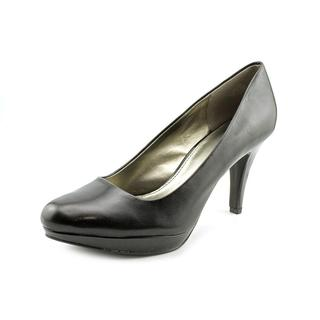 Bandolino Women's 'Capture' Leather Dress Shoes