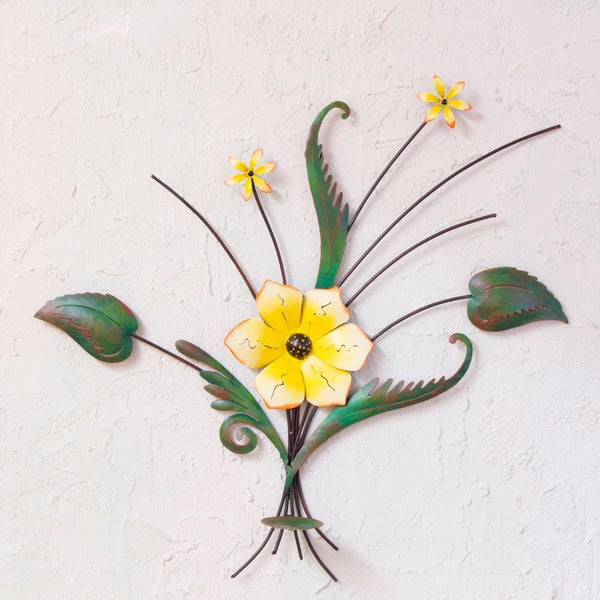 Handmade Iron 'Lovely Lily' Wall Sculpture (Mexico)