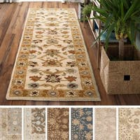 Hand-tufted Nick Traditional Wool Area Rug (2'6 x 8')