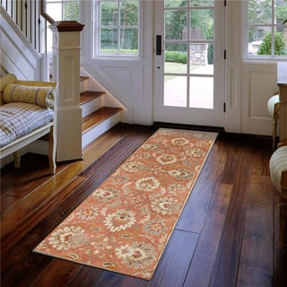 Hand-tufted Tami Traditional Wool Rug (3' x 12')
