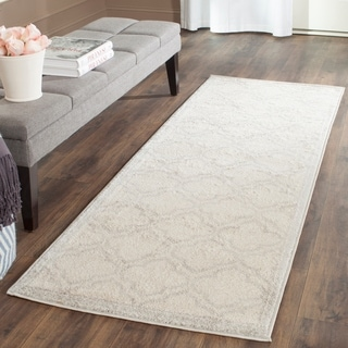 Safavieh Indoor/ Outdoor Amherst Ivory/ Light Grey Rug (2'3 x 7')