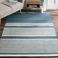 Safavieh Hand-Woven Kilim Blue/ Ivory Wool Rug - 5' x 8'