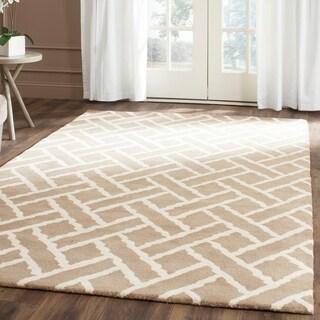 Safavieh Handmade Chatham Beige/ Ivory Wool Rug (5' x 8')