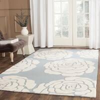 Safavieh Handmade Cambridge Blue/ Ivory Wool Rug - 5' x 8'