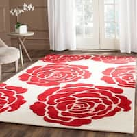 Safavieh Handmade Cambridge Ivory/ Red Wool Rug - 5' x 8'