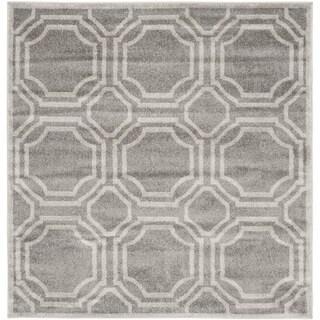 Safavieh Indoor/ Outdoor Amherst Grey/ Light Grey Rug (5' Square)